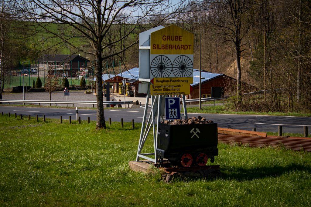 Grube Silberhardt und Bergbauwanderweg im Windecker Ländchen