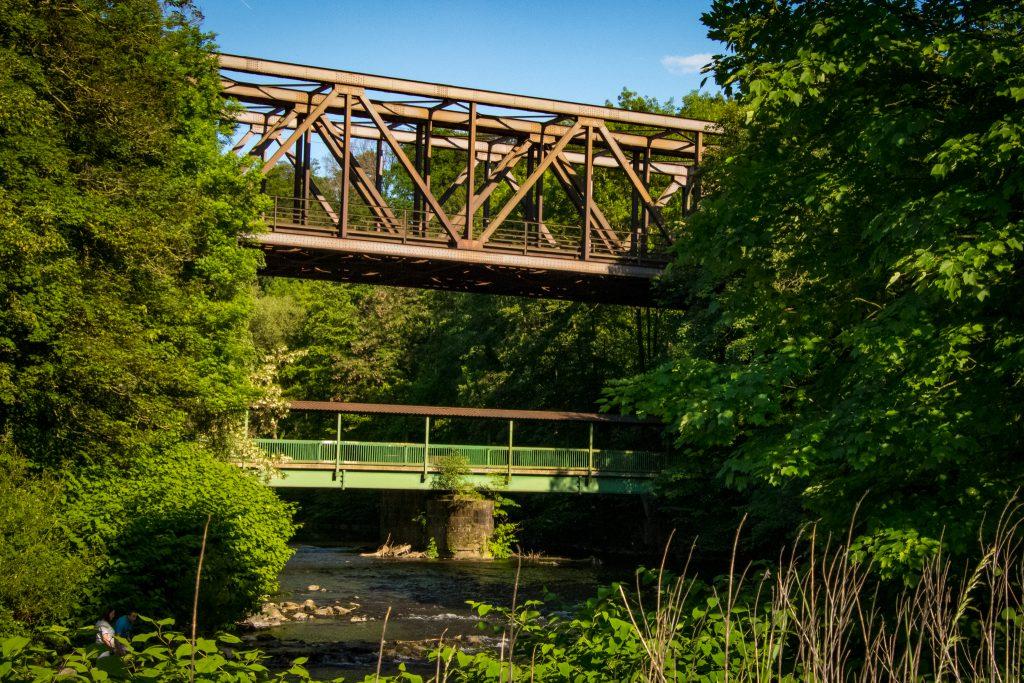 Fahrradtour im Bergischen Land - Eisenbahnbrücke über die Wupper bei Leichlingen