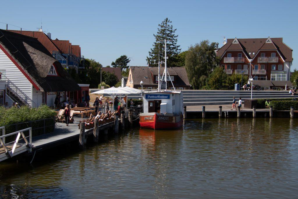 Ostsee - Zingst - Barther Bodden - Futter Kutter im Hafen von Zingst