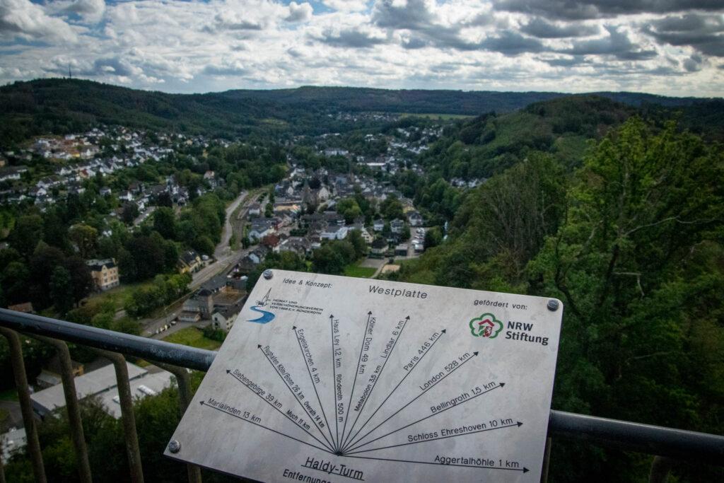 Wandern auf dem Streifzug Nr. 14 - Höhlenweg Engelskirchen - Aussicht vom Haldyturm