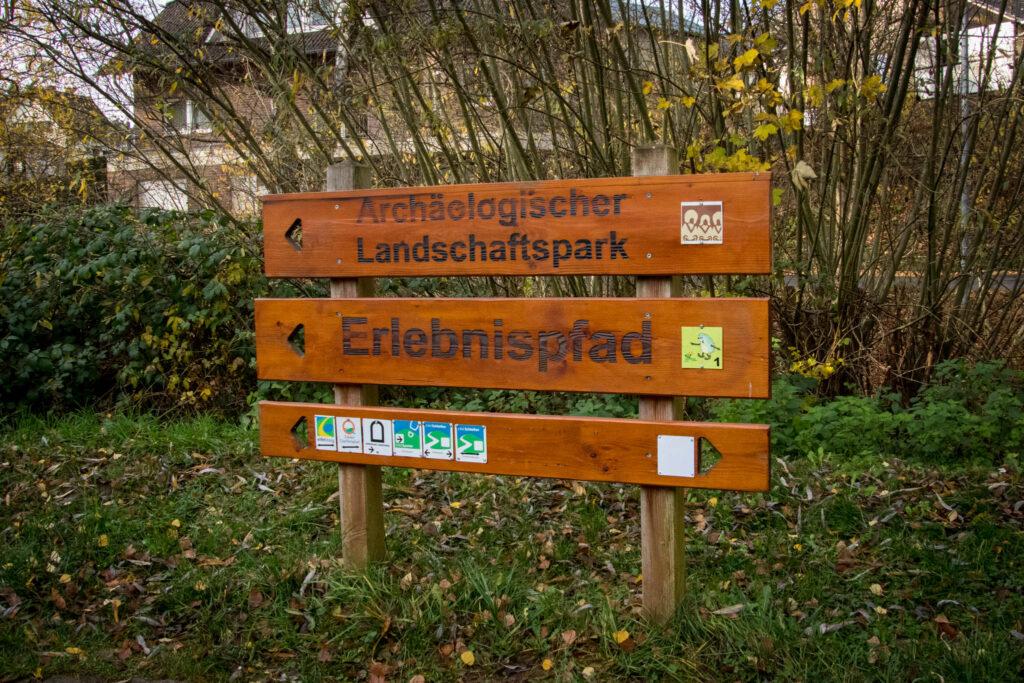Wandern auf dem Löwenzahn Erlebnispfad in Nettersheim in der Eifel