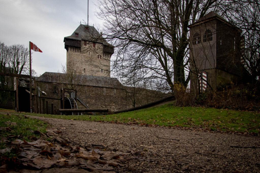 Wanderung rund um Schloss Burg - Spielplatz im Hofgarten