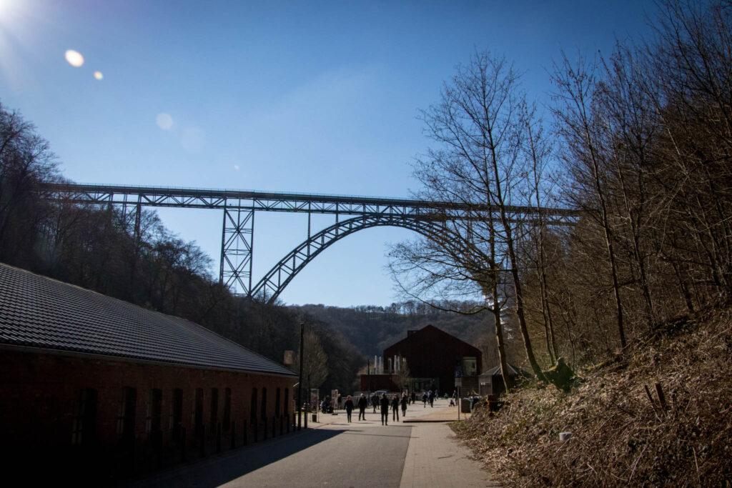 Wanderung von Schloss Burg zur Müngstener Brücke